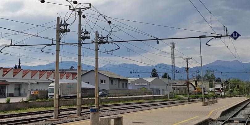 Vsi slovenski mobilni operaterji zanemarjajo potnike na vlakih