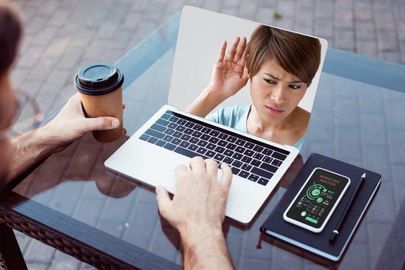 NEDELJSKI NASVET: To lahko narediš, da zaradi zvoka spletni klepet ne bo polomija!